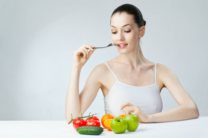woman_eat_healthy_fruit_vegetable_diet (700x464, 157Kb)
