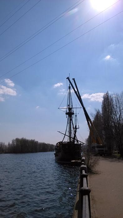 Воронеж, строительство корабля-музея (2) (395x700, 244Kb)