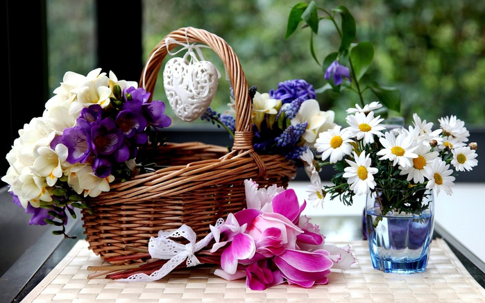 flowers_in_basket_04 (700x437, 371Kb)