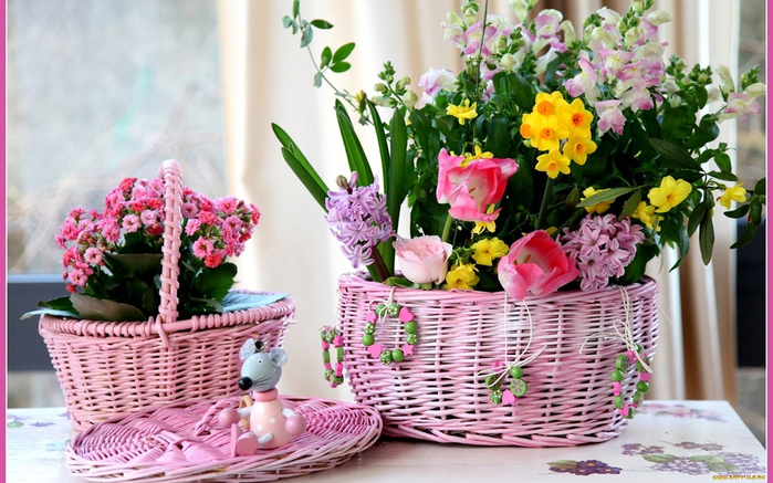 flowers_in_basket_12 (700x437, 399Kb)