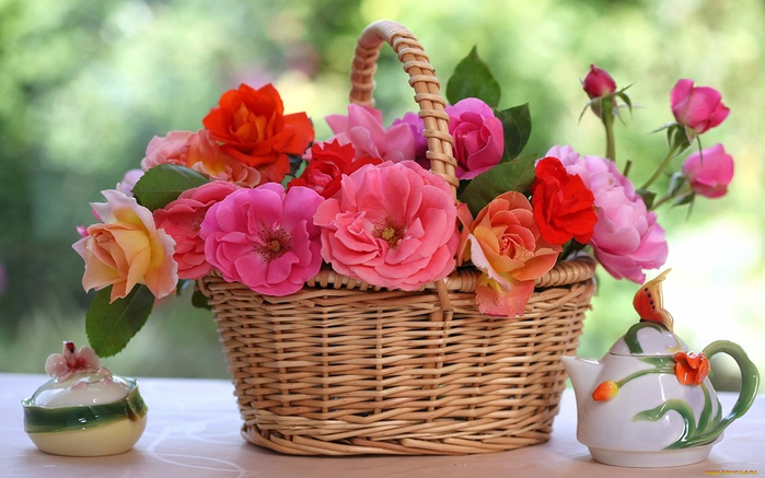 flowers_in_basket_13 (700x437, 334Kb)