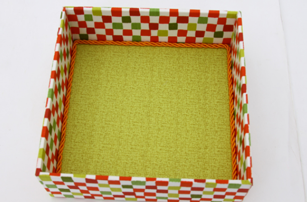 Декорирование коробочки тканью в технике айрис фолдинг (15) (618x407, 471Kb)