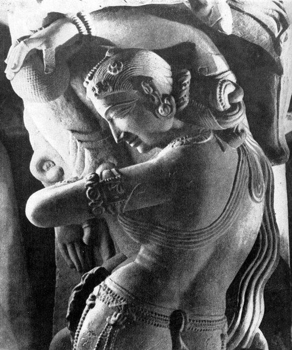Скульптура Индии, Девушка