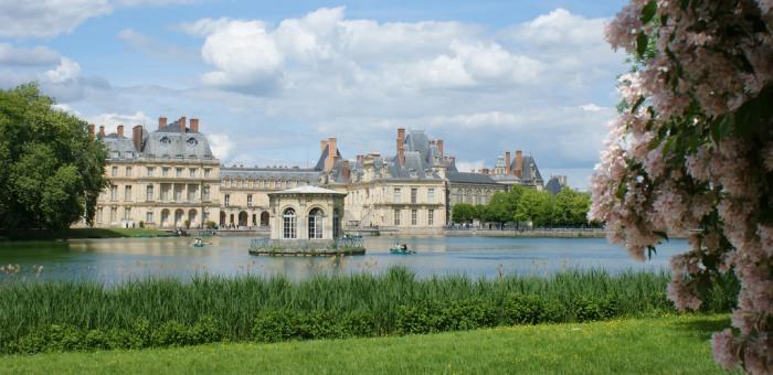 4216969_castle_Fontainebleau (700x340, 84Kb)
