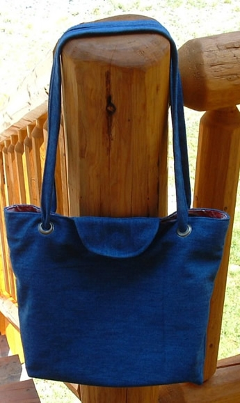 Denim-Tote-Bag-Made-From-Recycled-Jeans (345x579, 121Kb)