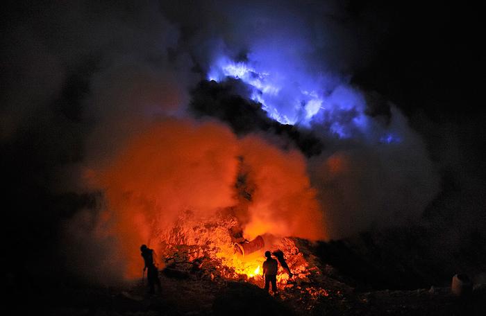 вулкан Кавах Иджен индонезия фото 6 (700x456, 271Kb)