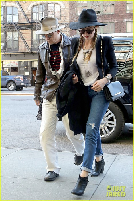 johnny-depp-amber-heard-step-out-together-new-york-01 (468x700, 115Kb)