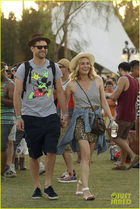 joshua-jackson-diane-kruger-inseparable-at-coachella-2014-03 (467x700, 100Kb)