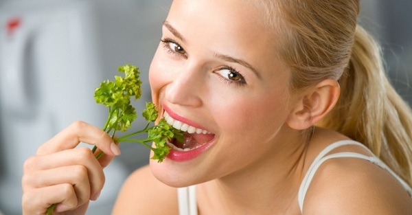 3352215_woman_eat_green_healthy_lifestyle (600x313, 50Kb)
