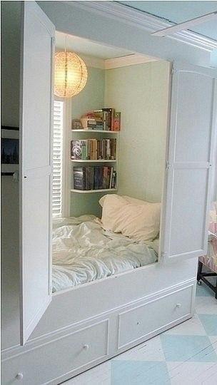 Спальня в шкафу (304x540, 114Kb)