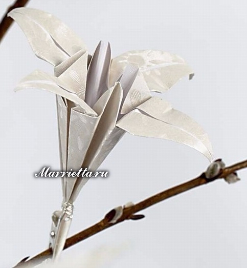 Цветы ЛИЛИИ и журавлики из бумаги в технике оригами (15) (483x523, 133Kb)