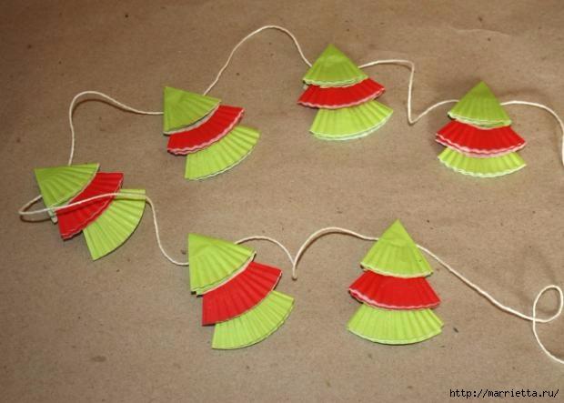 Новогоднее применение бумажных стаканчиков для кексов (9) (620x443, 118Kb)