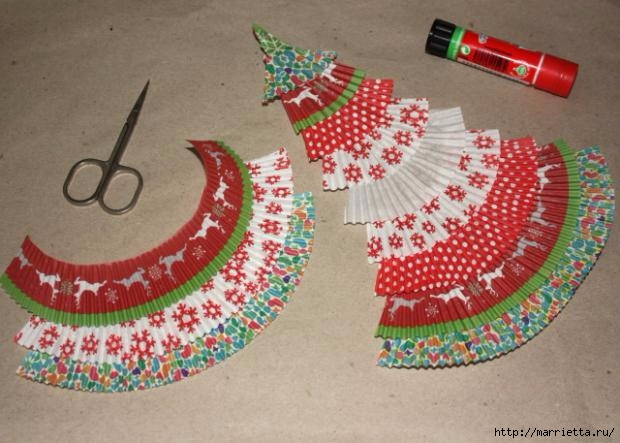 Navidad usar vasos de papel para pasteles (15) (620x443, 156KB)