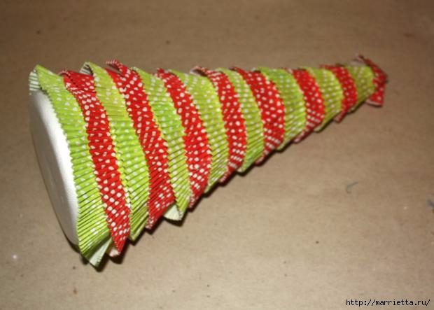 Navidad usar vasos de papel para pasteles (16) (620x443, 120Kb)