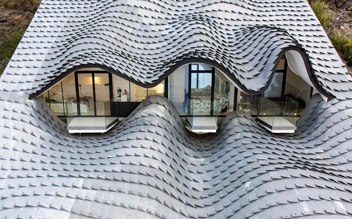 дом с необычной крышей GilBartolome Arquitectos 5 (700x436, 454Kb)