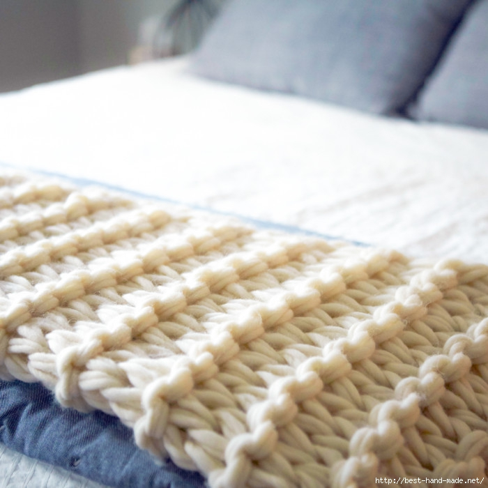 arm-knit-blanket-2-700x700 (700x700, 207Kb)
