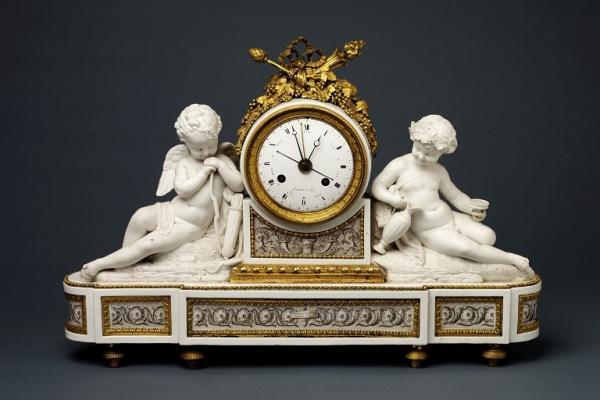 часы с ангелами (600x400, 130Kb)