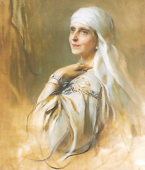 Королева Мария, королева-мать из Румынии (597x700, 339Kb)