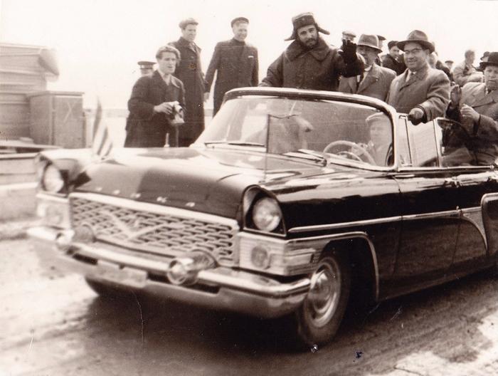 Фидель Кастро на строительстве Братской ГЭС. (13 мая 1963 года). Фото Н.Гуслева (700x528, 394Kb)