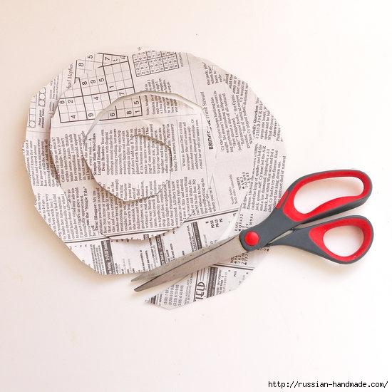 Как из газет сделать букет цветов (3) (550x550, 147Kb)