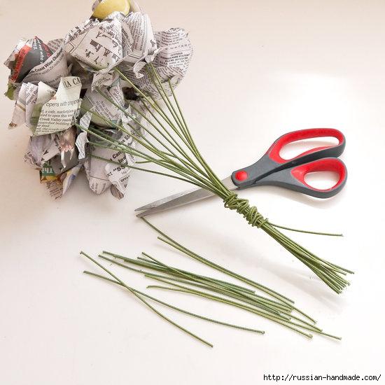 Как из газет сделать букет цветов (9) (550x550, 147Kb)
