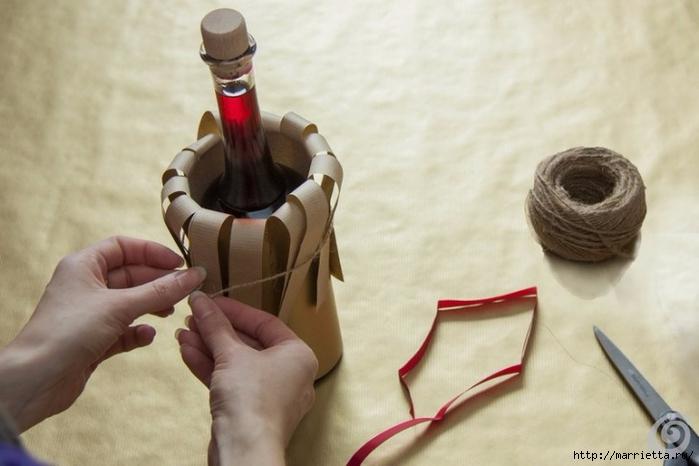 Подарочная упаковка из бумаги для бутылки спиртного (8) (700x466, 184Kb)