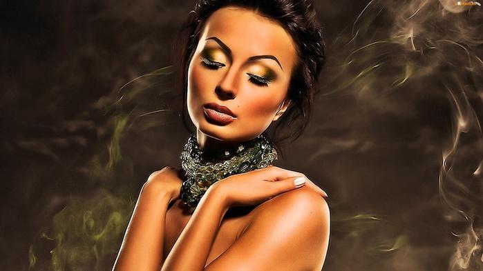 kobieta-rece-makijaz-dym (700x393, 128Kb)
