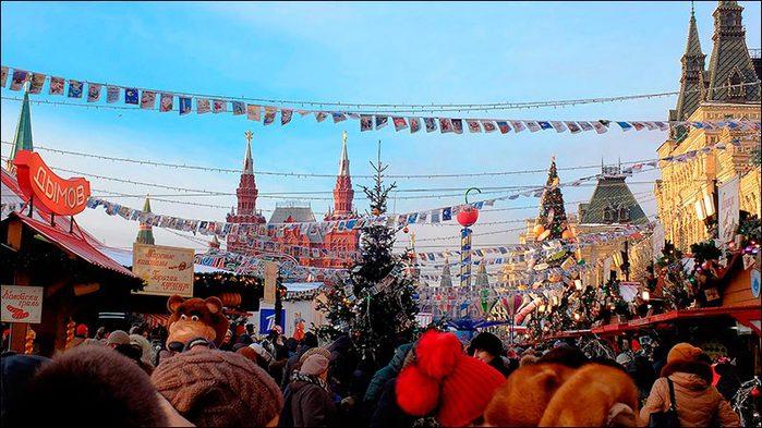 Красная площадь. Новый год/3673959_2_1_ (700x393, 81Kb)