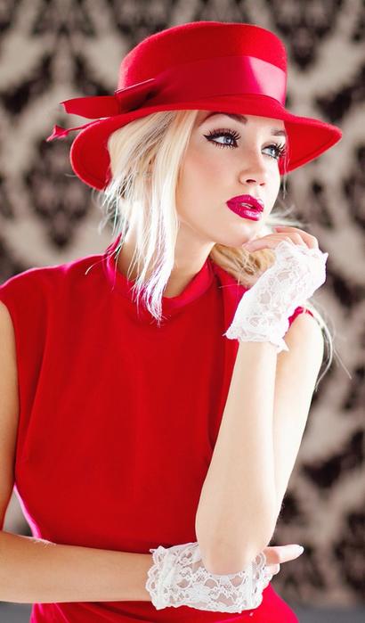 Фото девушек в красном платье и шляпе