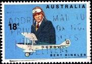 66.2.2.7.1  Пилоты Австралии 1x40 Берт Хинклер с самолетом G-EBOY (181x127, 22Kb)
