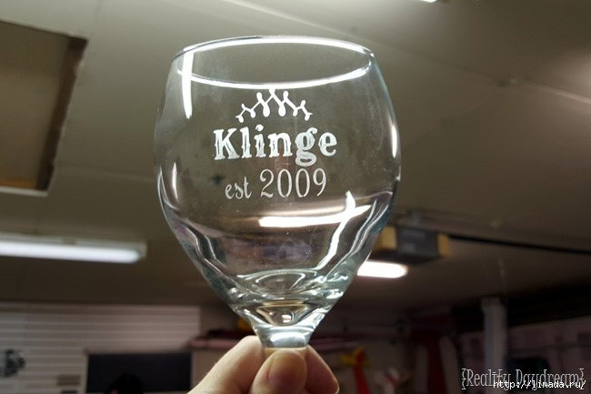 Etching-wine-glasses...-for-the-DIY-Wall-mounted-wine-and-stemware-rack-Reality-Daydream_thumb (650x433, 112Kb)