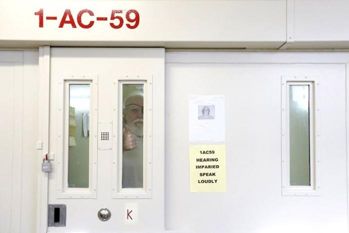 Смертники перед казнью: фото в тюрьме Сан Квентин в ожидании смертельной инъекции