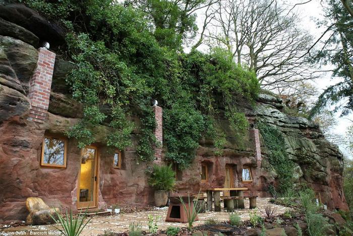 дом в пещере 1 (700x469, 486Kb)