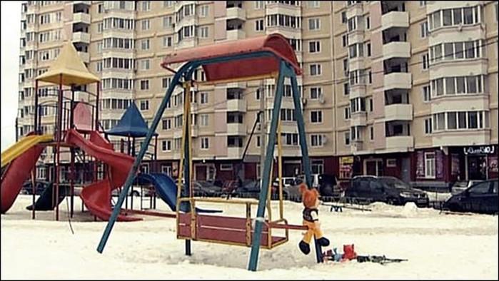 Как девочку убило детскими качелями во Фрязине