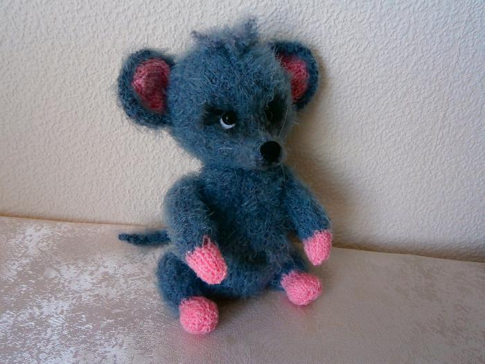 Мышка-малышка (2) (700x525, 433Kb)