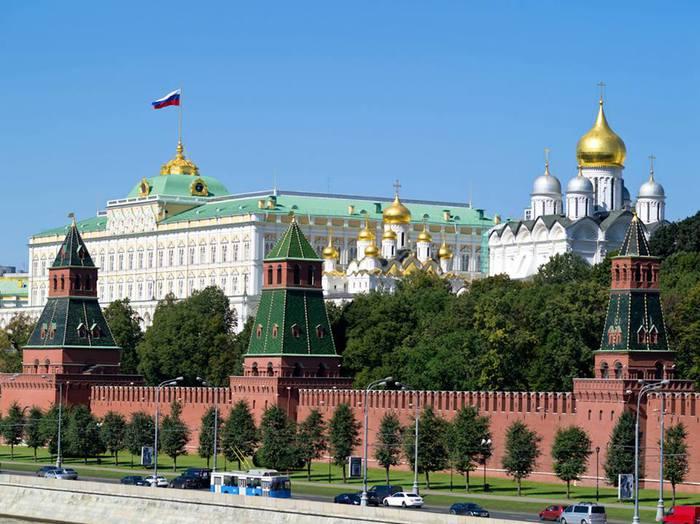 Дом правительства России (700x524, 66Kb)
