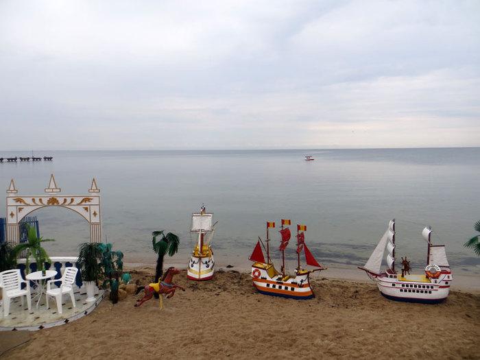 главный пляж Евпатории/2203716_glavnyjpljazhevpatorii (700x525, 64Kb)