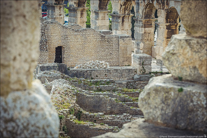 амфитеатр в пуле хорватия фото 10 (670x447, 311Kb)