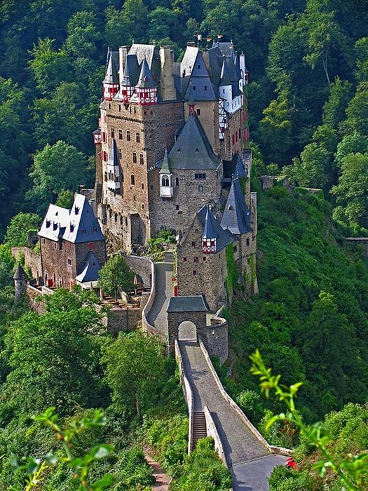 замок эльц 2 (525x700, 596Kb)