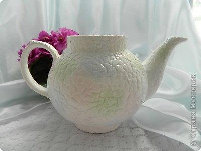 Кашпо из чайника, декорирование яичным кракле (5) (400x300, 66Kb)