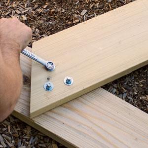 Садовая скамейка своими руками (7) (300x300, 78Kb)