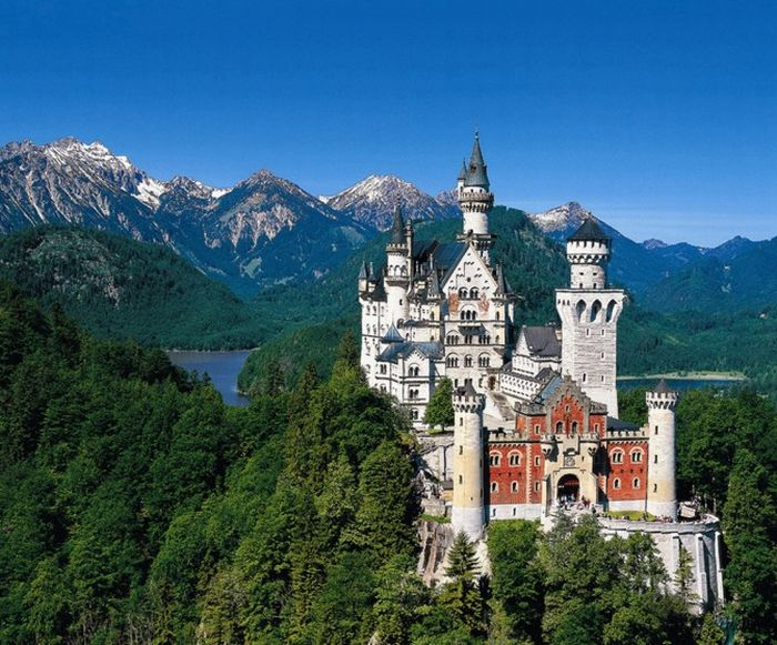 1. Бавария. Замок Нойшванштайн (700x581, 396Kb)