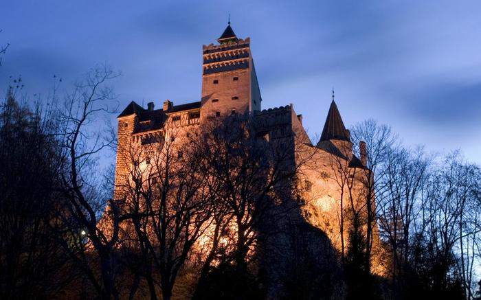 11. Замок Бран (Замок Дракулы) 1 (700x437, 331Kb)