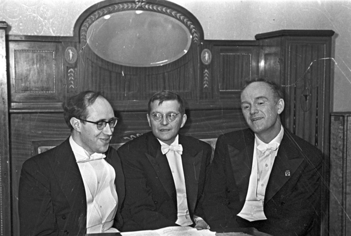 3455057_Mstislav_Rostropovich_Dmitry_Shostakovich_and_Svyatoslav_Richter (700x471, 109Kb)