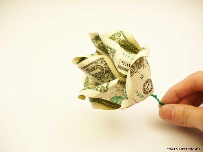 Денежный букет из долларовых розочек (8) (700x525, 125Kb)