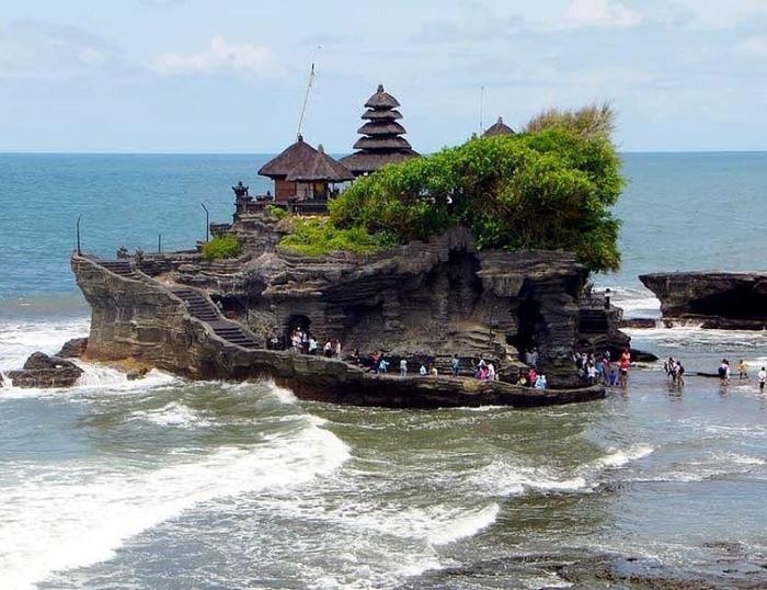 Храм Пура Танах Лот, Бали1 (700x538, 275Kb)