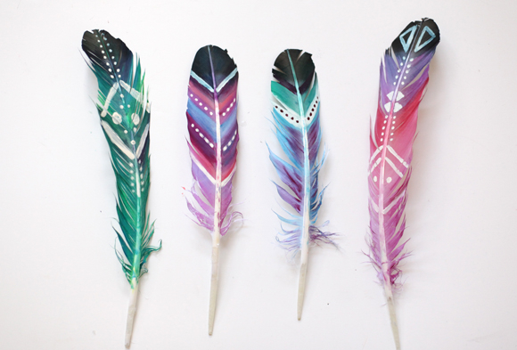 diy-painted-feathers-8 (580x393, 211Kb)