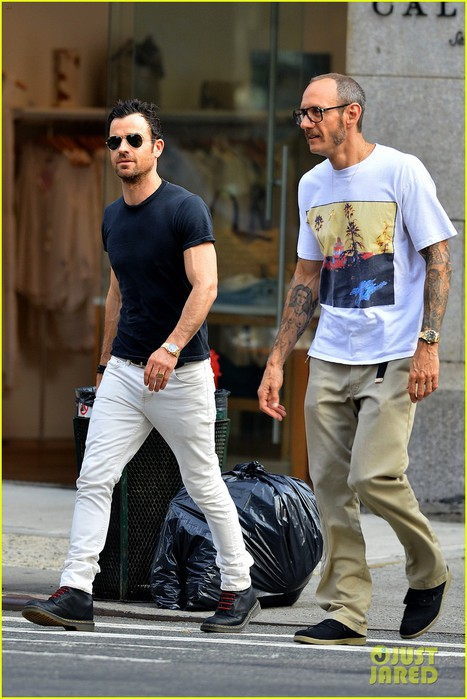 justin-theroux-hangs-out-with-terry-richardson-01 (467x700, 94Kb)