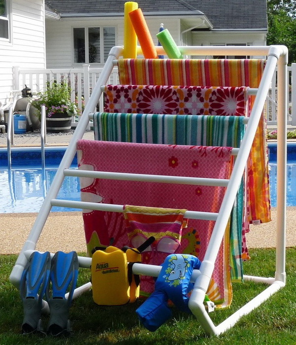 backyard-towel-caddy-made-from-pvc-pipe (601x700, 186Kb)