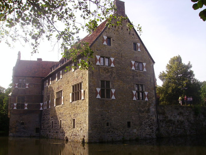 Castle_Vischering_in_Ludinghausen_02 (700x525, 111Kb)